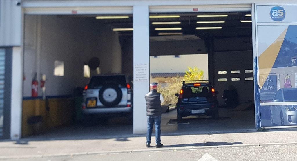 Auto s curit marseille pourquoi choisir le garage la for Garage auto store marseille